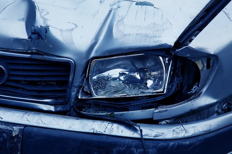 Contrary to popular wisdom, studies show that car accidents are more likely to take place close to a driver's home. The injury attorneys at Glen Lerner injury attorneys provide some tips of avoiding accidents