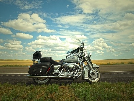 Illinois motorcycle accident lawyers discuss some of the best roads to drive a motorcycle on