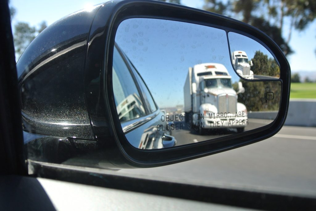Chicago truck accident blind spot accidents